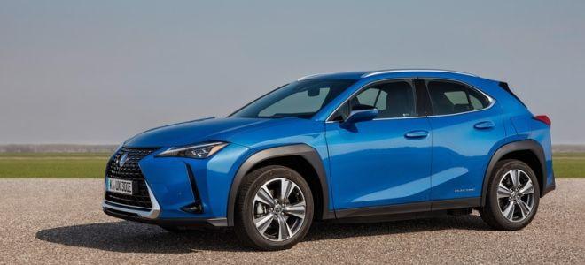 Lexus UX 300e — чем отличается электрическая версия?