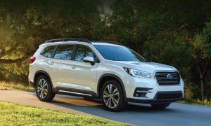 Флагманский Subaru Ascent 2018-2019 года.