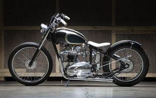 Triumph Bobber «Лунная машина»