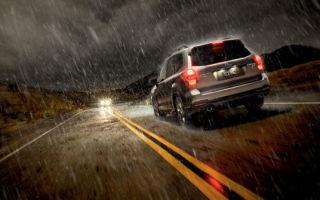 Управление автомобилем во время дождя. Как избежать ДТП?