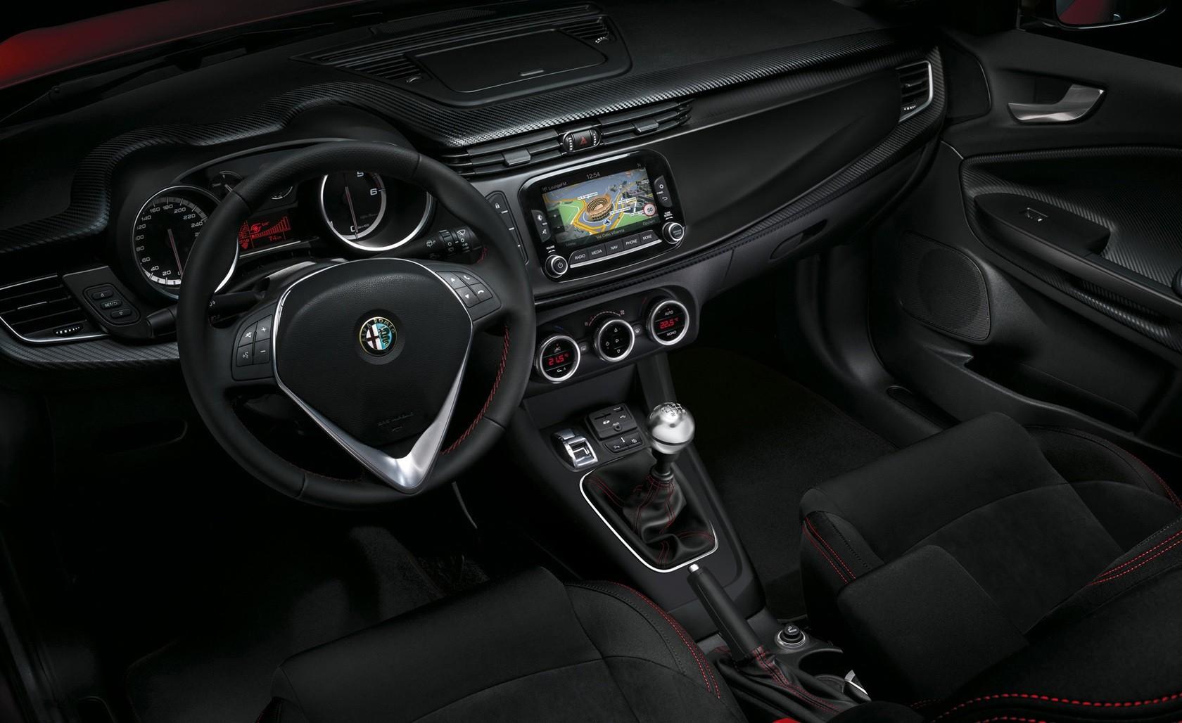Alfa Romeo Giulietta интерьер