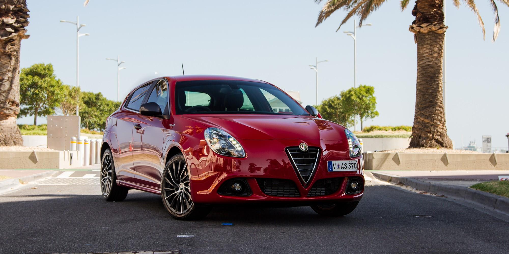Alfa Romeo Giulietta вид спереди