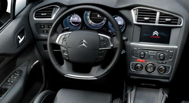Citroen C4 фото руль