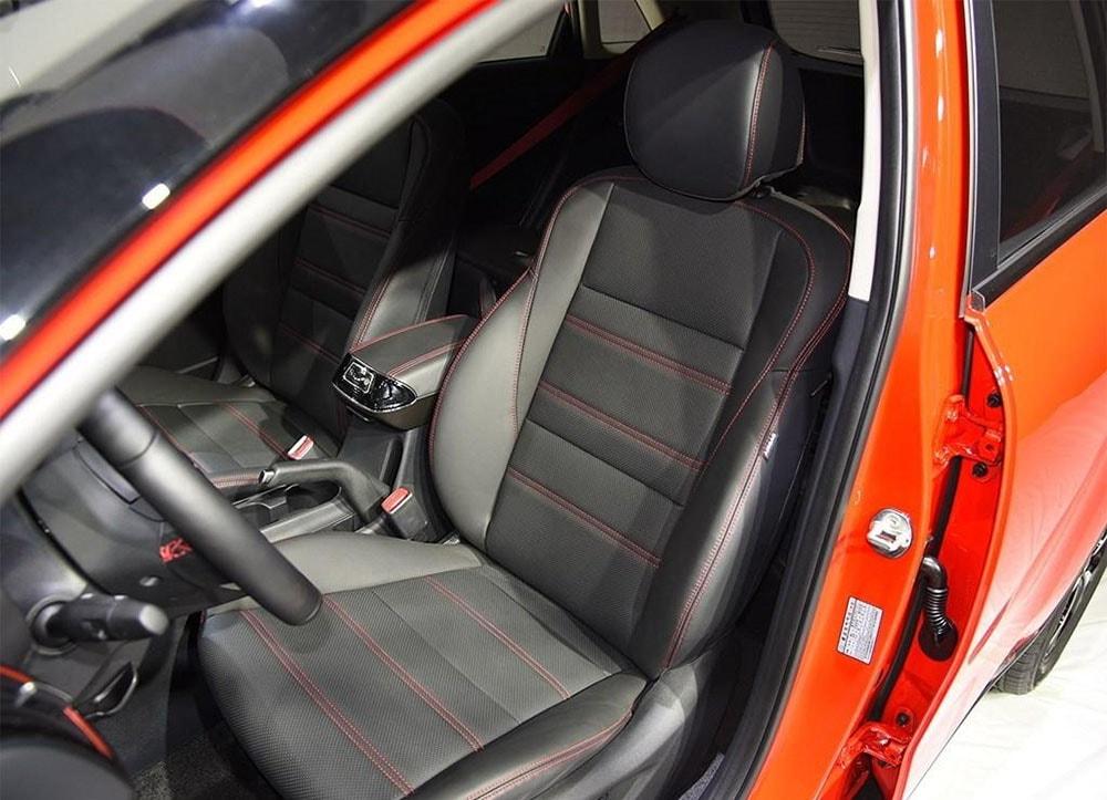 Kia KX3 передние сидения