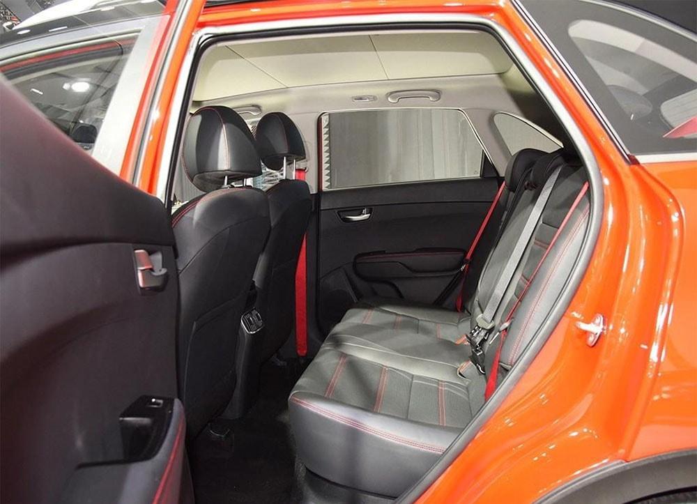 Kia KX3 задние сидения