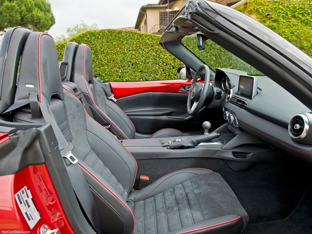 Mazda MX-5 передние сидения