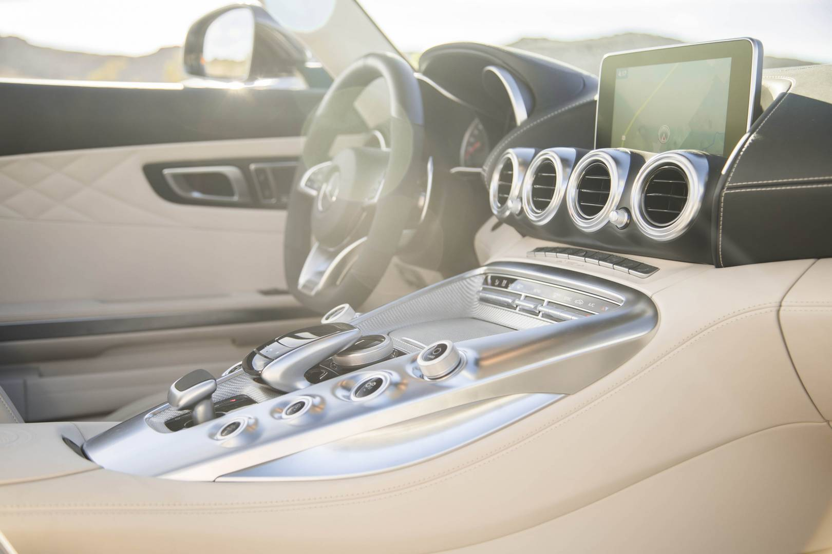 Mercedes-AMG GT C Roadster светлый салон