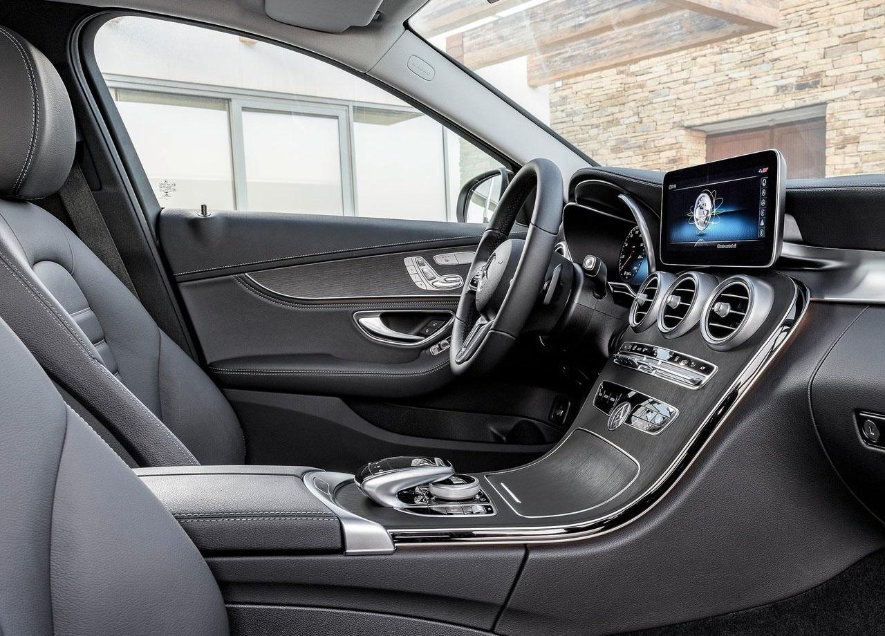 Mercedes C передние сидения