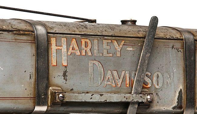 Мотоцикл Харли-Дэвидсон бак