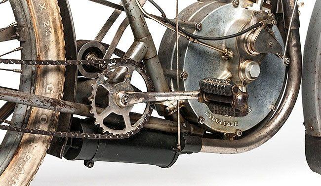 Мотоцикл Харли-Дэвидсон привод