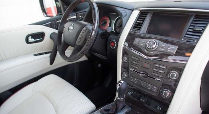 Nissan Patrol салон