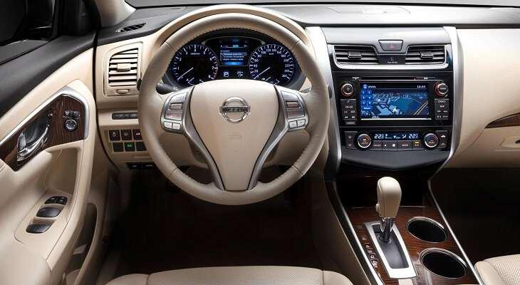 Nissan Teana руль