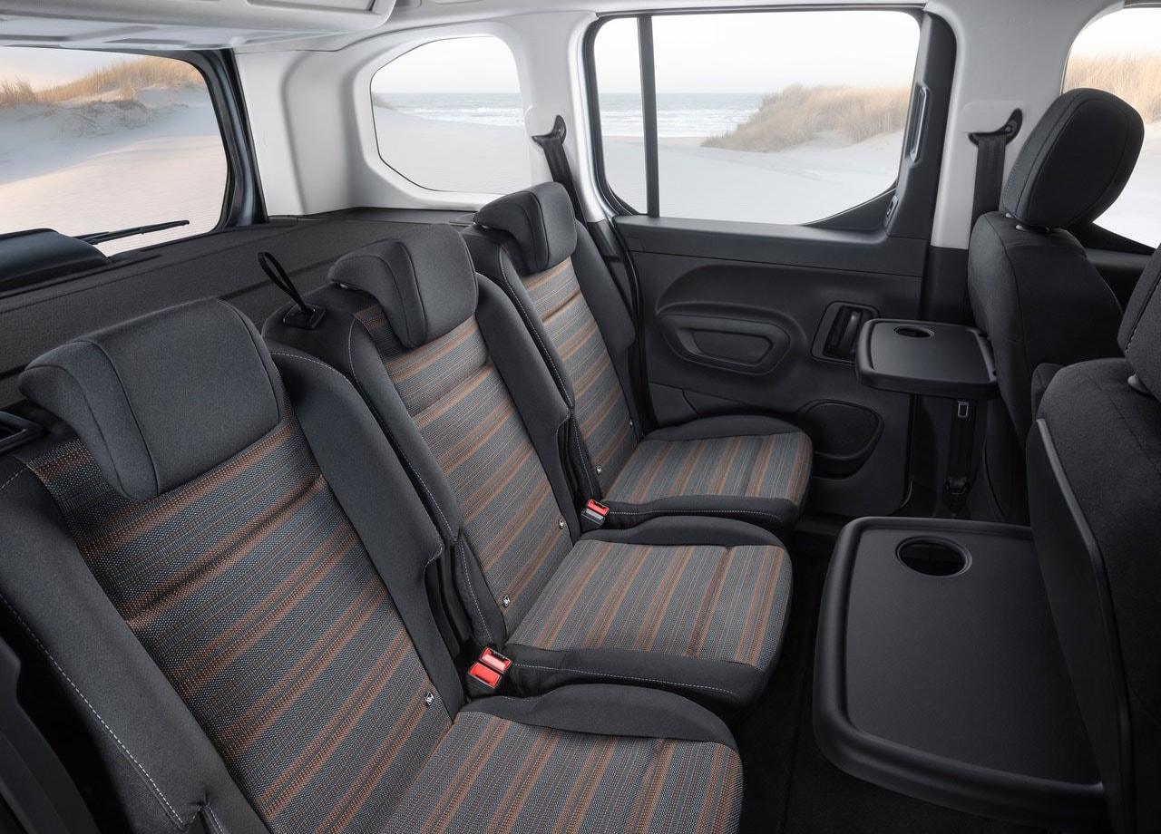 Opel Combo 5 фото задние сидения