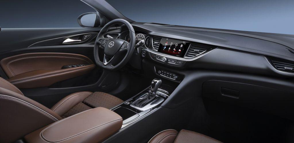 Opel Insignia салон
