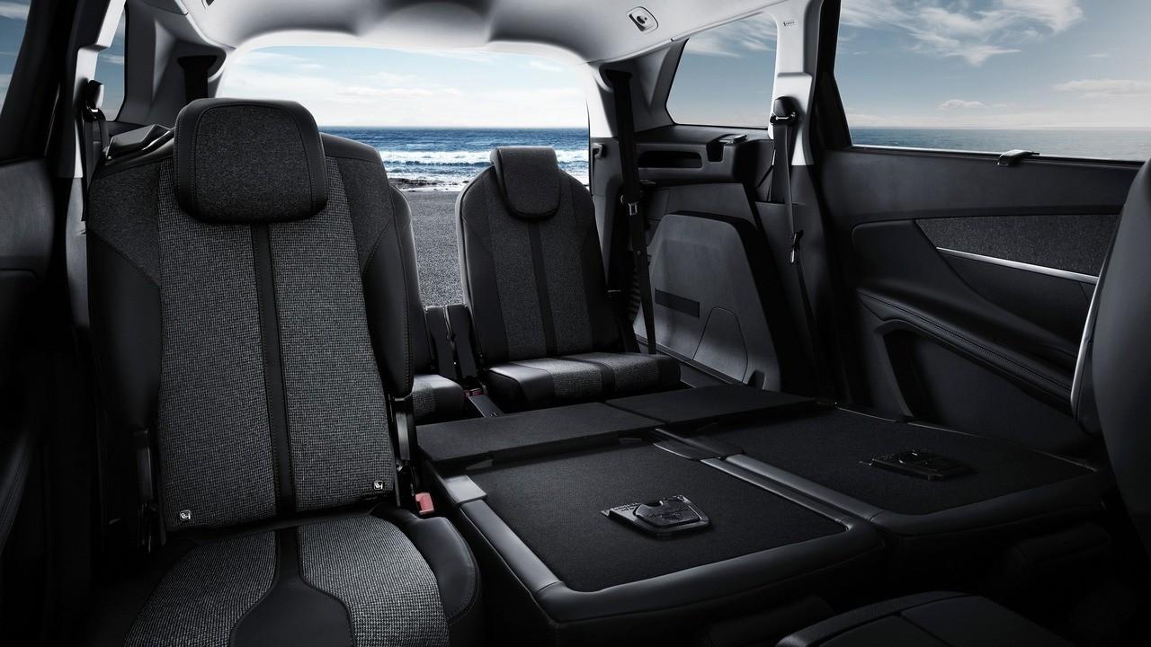 Peugeot 5008 детали салона