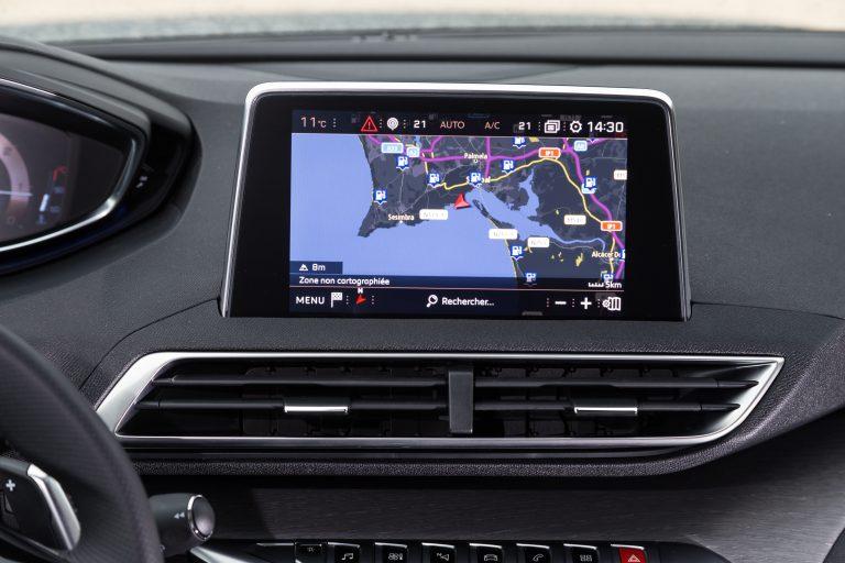 Peugeot 5008 мультимедиа