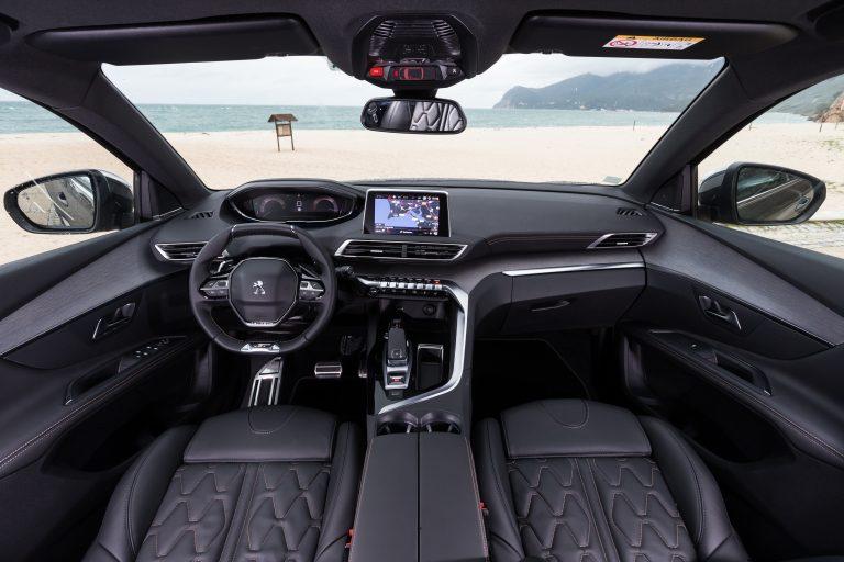 Peugeot 5008 передние сидения