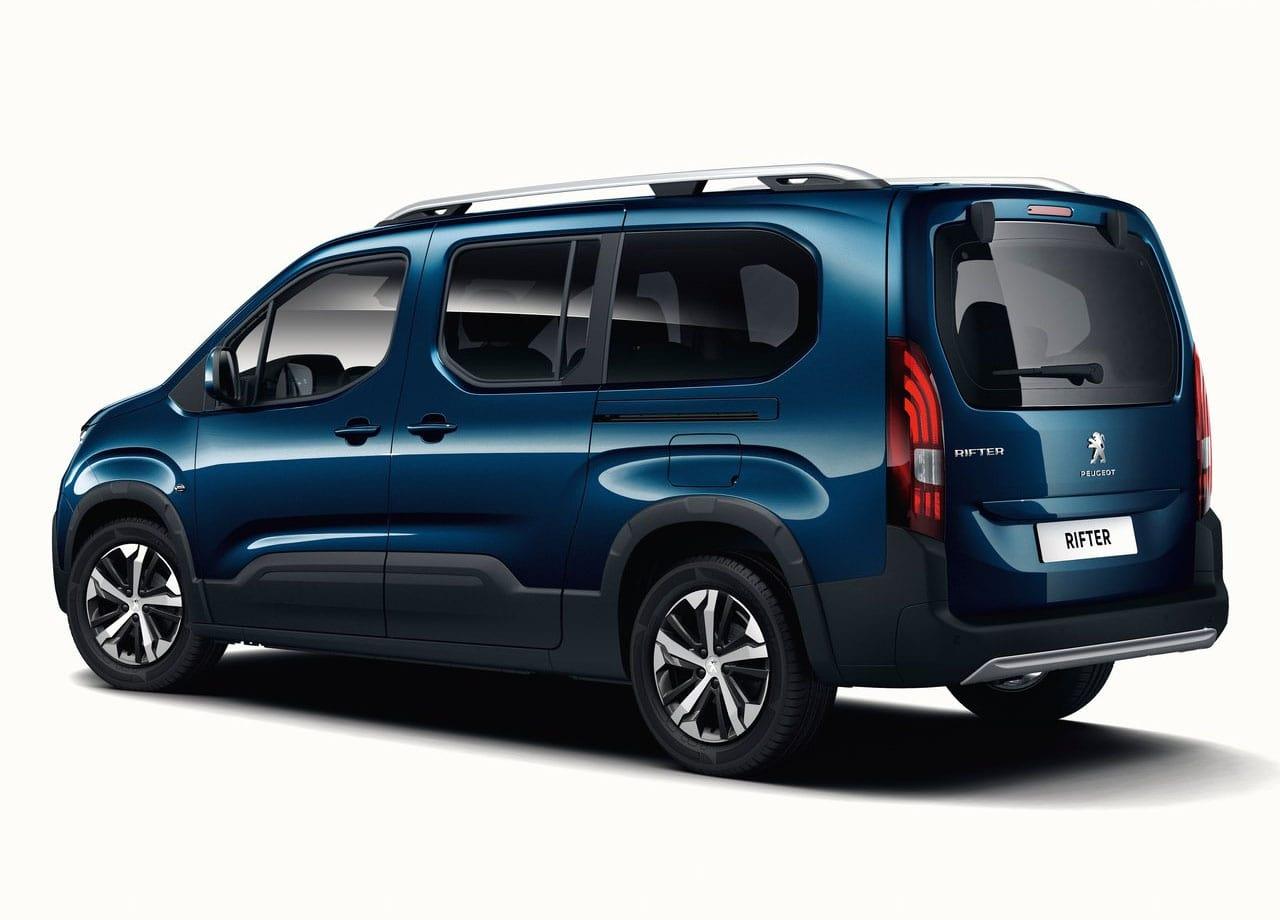 Peugeot Rifter фото сзади универсал