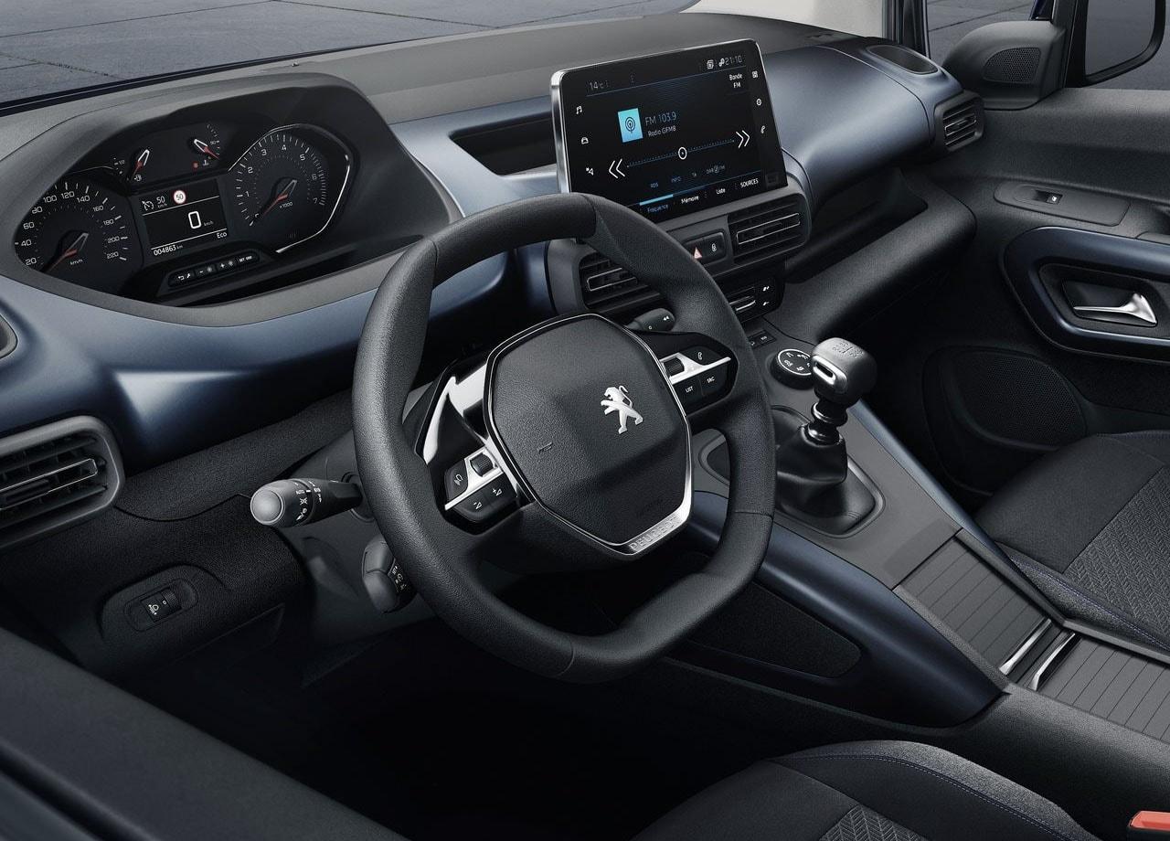 Peugeot Rifter передние сидения