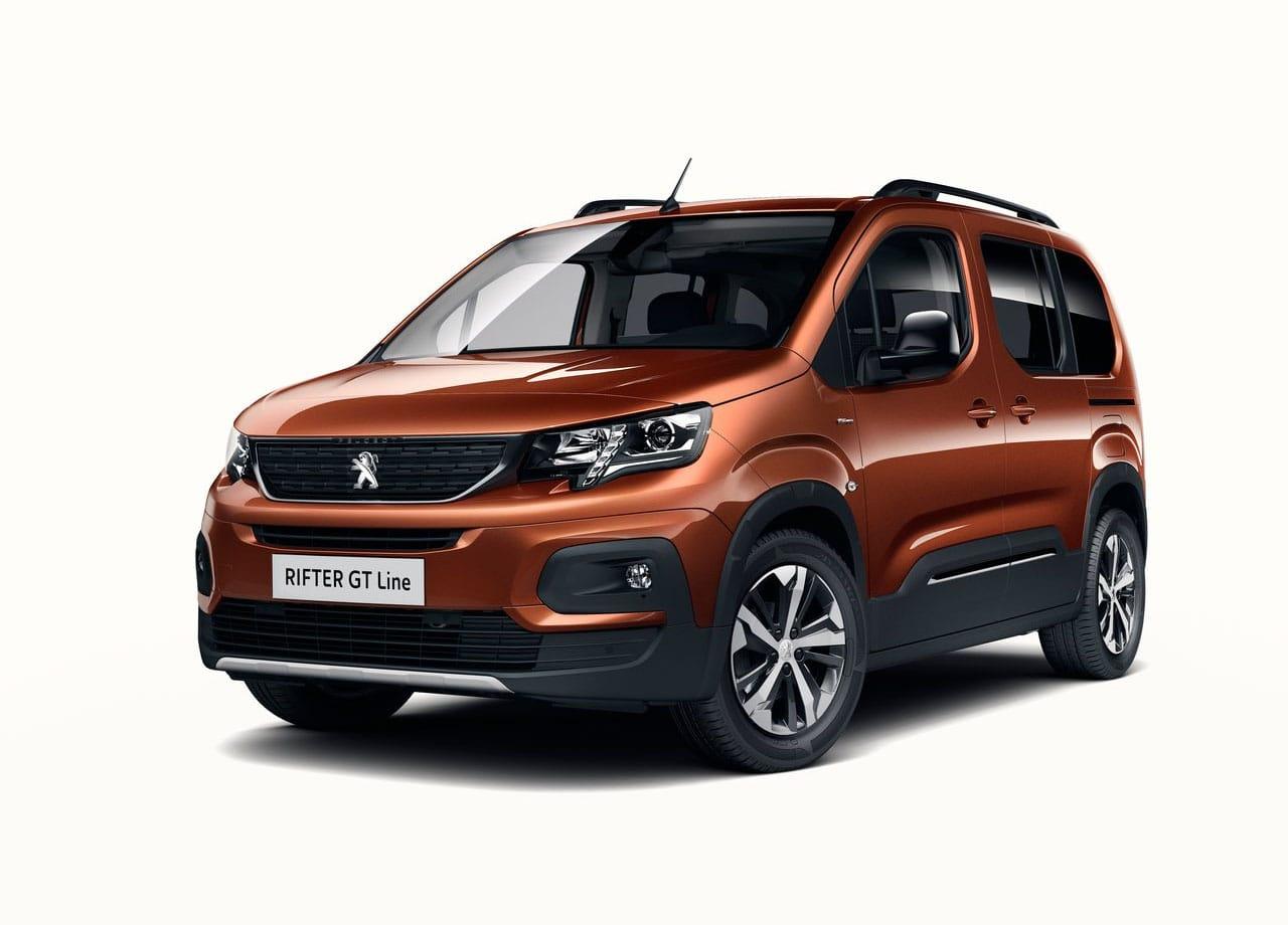 Peugeot Rifter вид спереди
