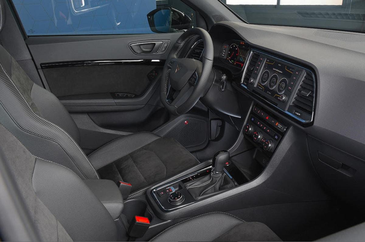 Seat Cupra Ateca передние сидения