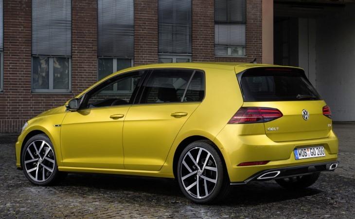 Volkswagen Golf фото вид сзади