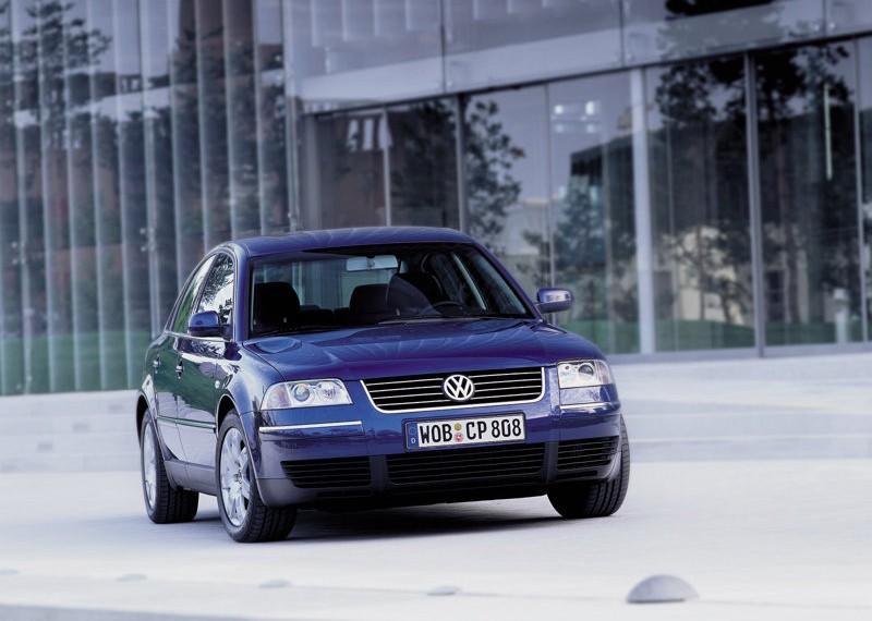 Volkswagen Passat B6 вид спереди