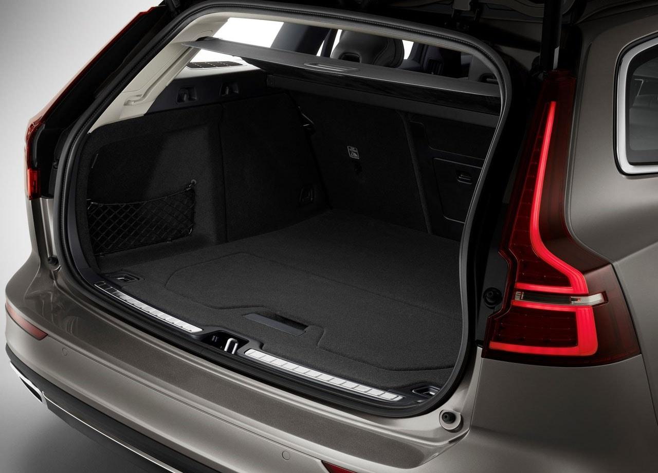 Volvo V60 багажник