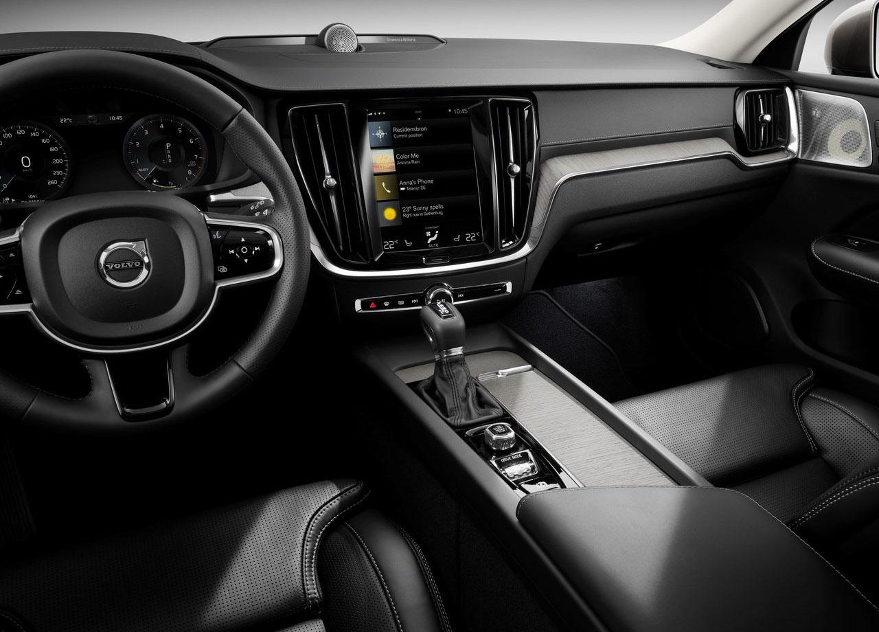Volvo V60 мультимедиа