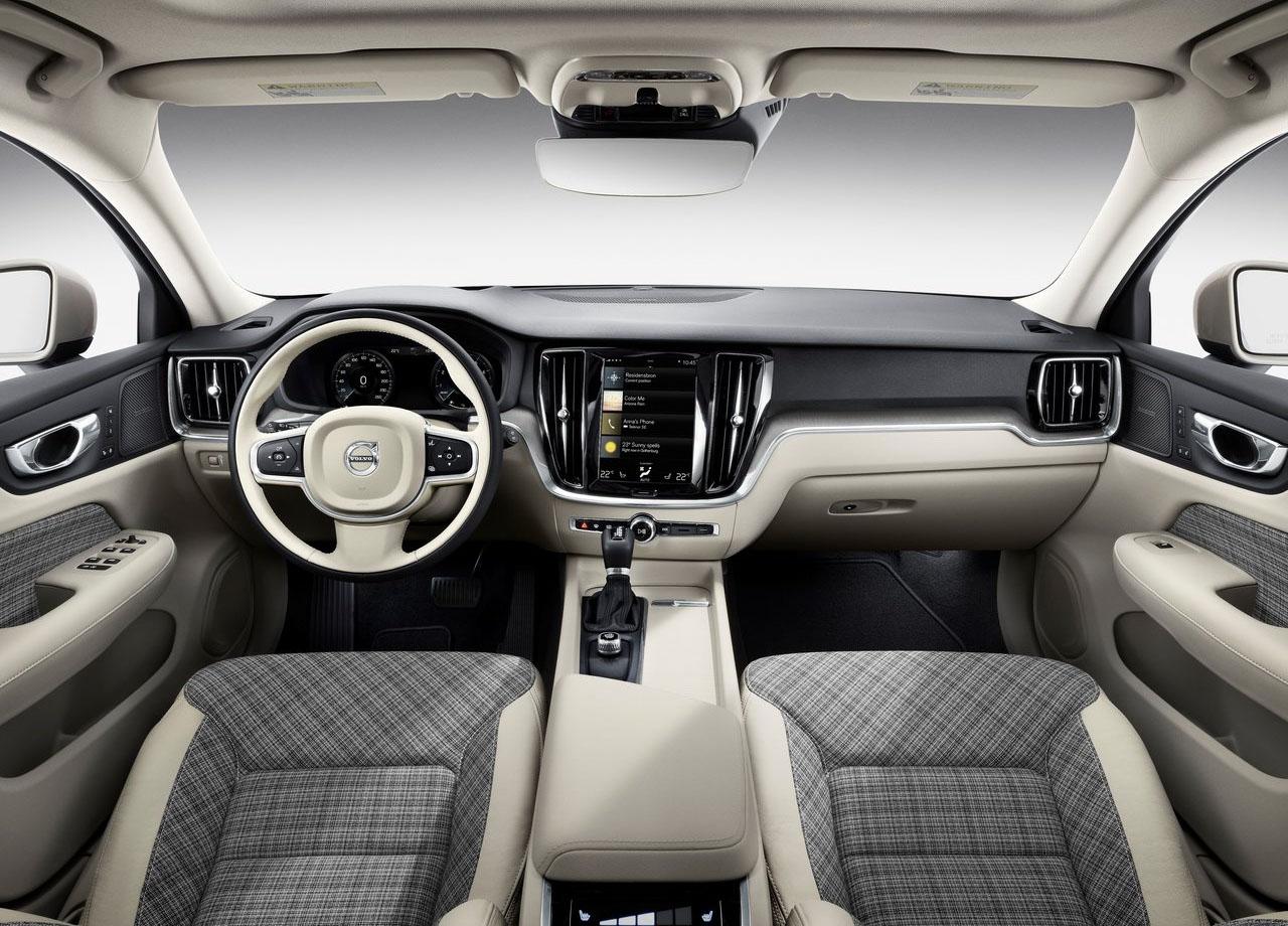 Volvo V60 салон