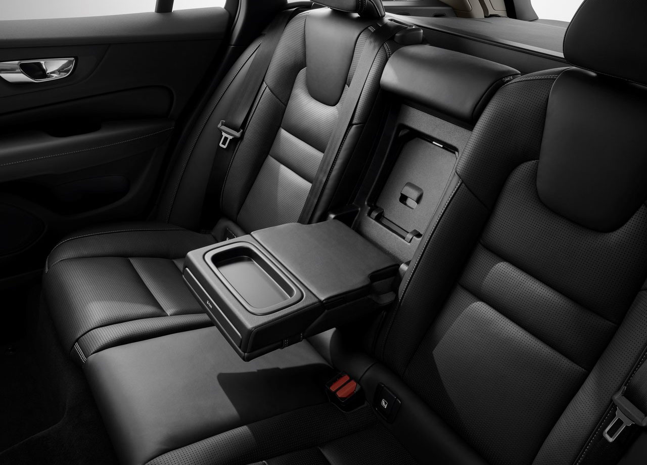 Volvo V60 задние сидения