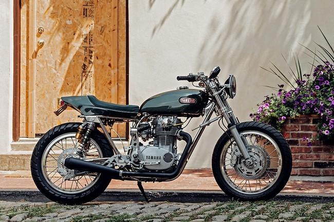 Yamaha XS 650 фото сбоку
