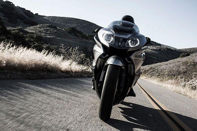мотоцикл БМВ 101 вид спереди
