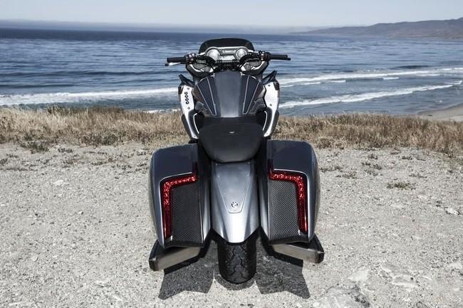 мотоцикл БМВ 101 вид сзади