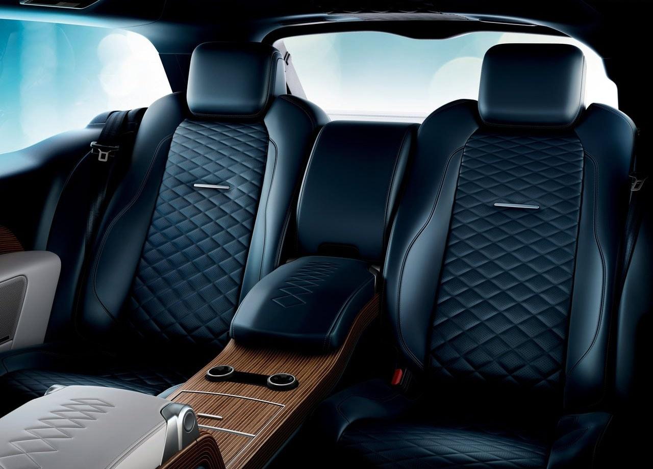 range rover sv coupe фото задние сидения