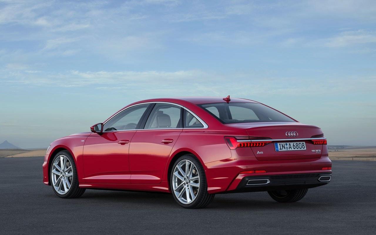 Audi A6 вид сзади