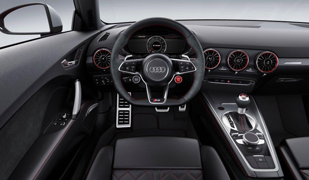 Audi TT RS 2017 салон