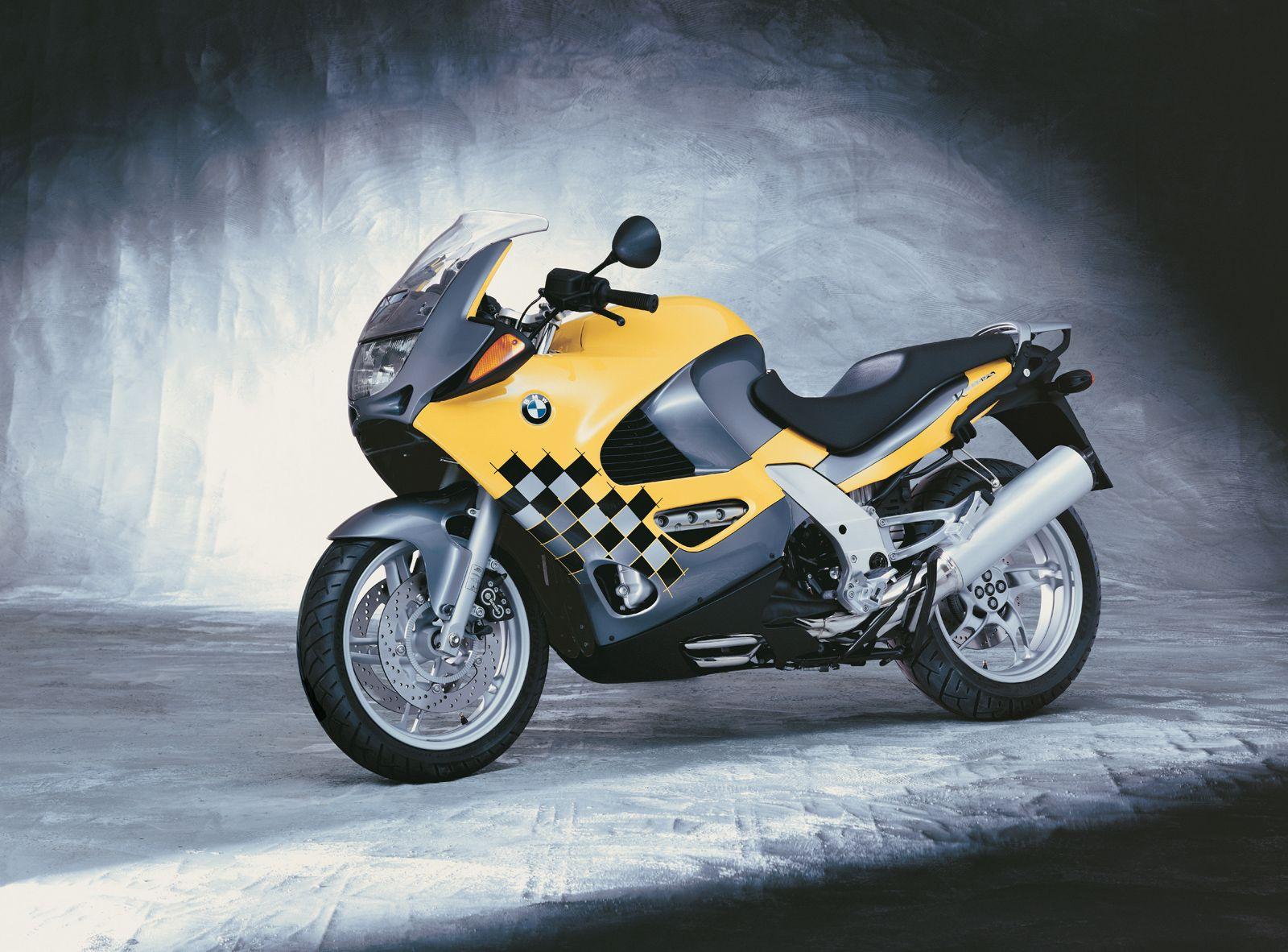 BMW K1200RS фото сбоку