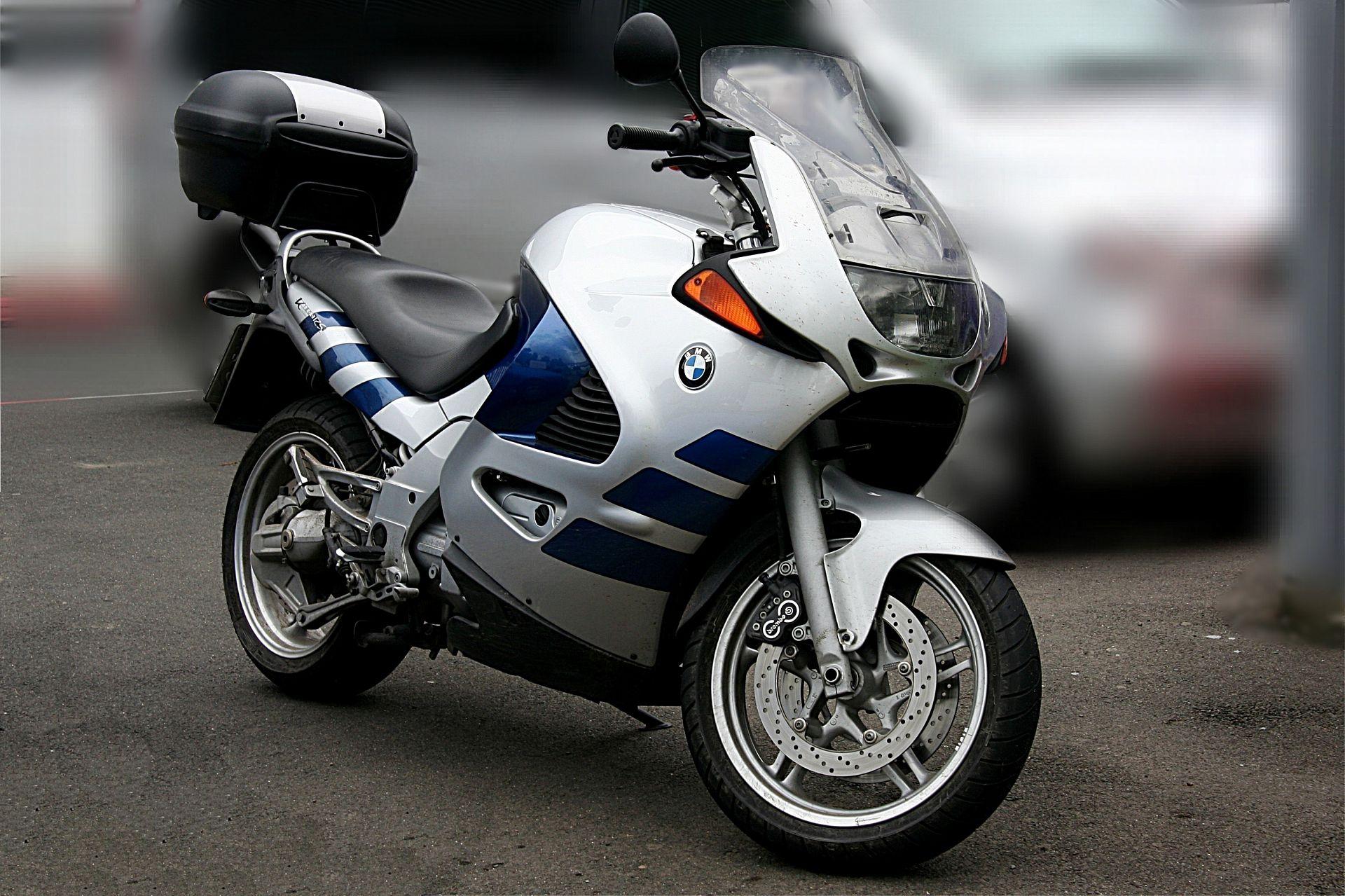 BMW K1200RS фото спереди