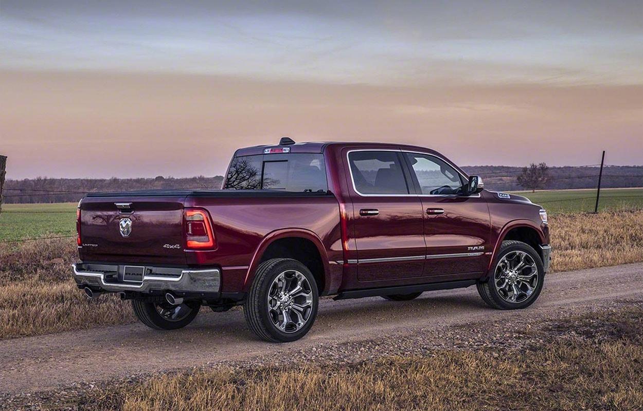 Dodge Ram 1500 фото сзади