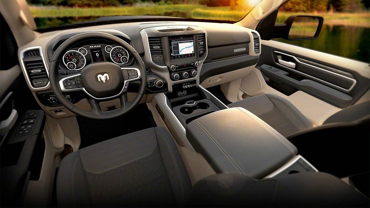 Dodge Ram 1500 салон