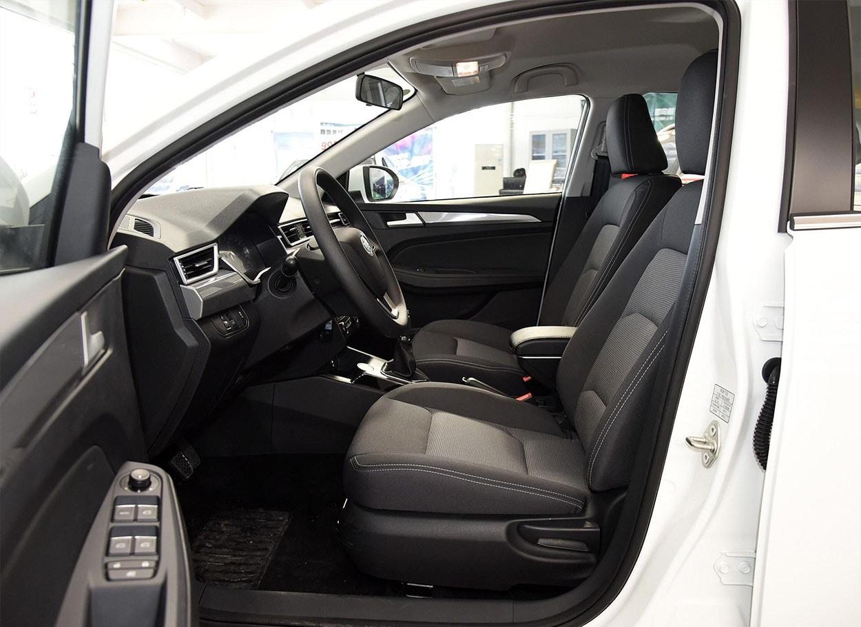 FAW Junpai A50 передние сидения