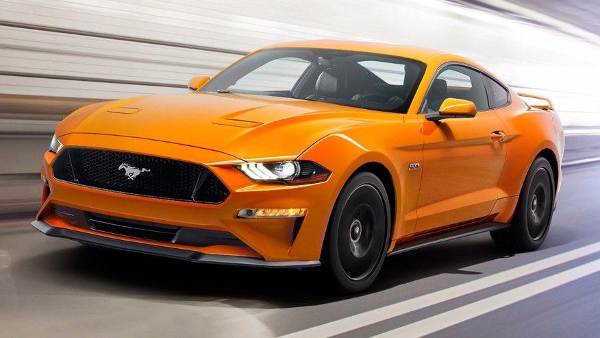 Ford Mustang фото спереди