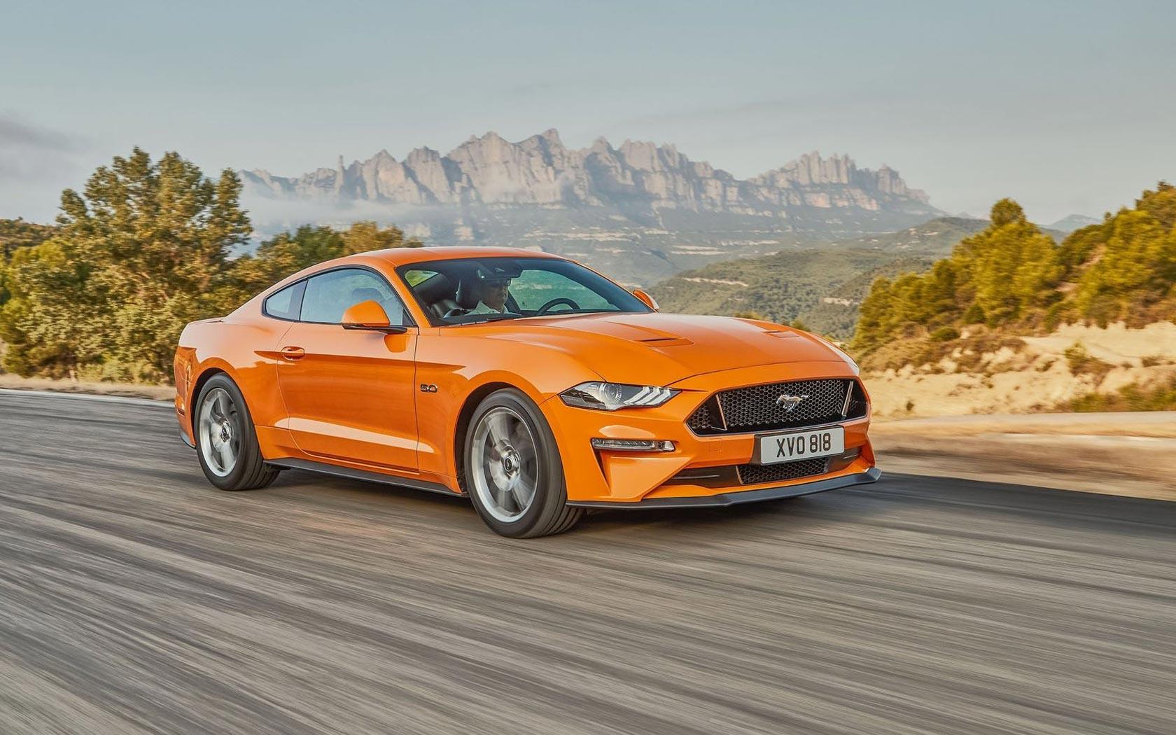 Ford Mustang вид сбоку