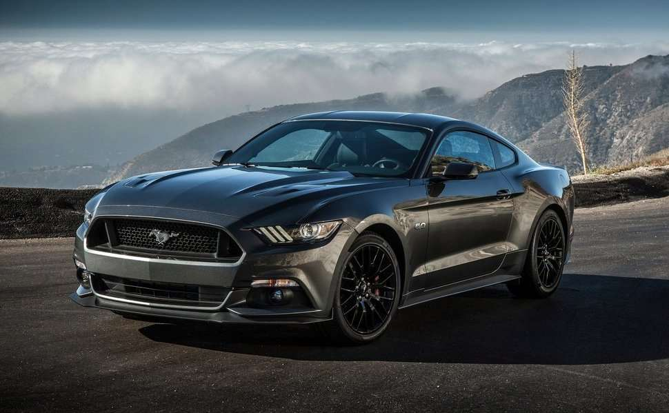 Ford Mustang вид спереди