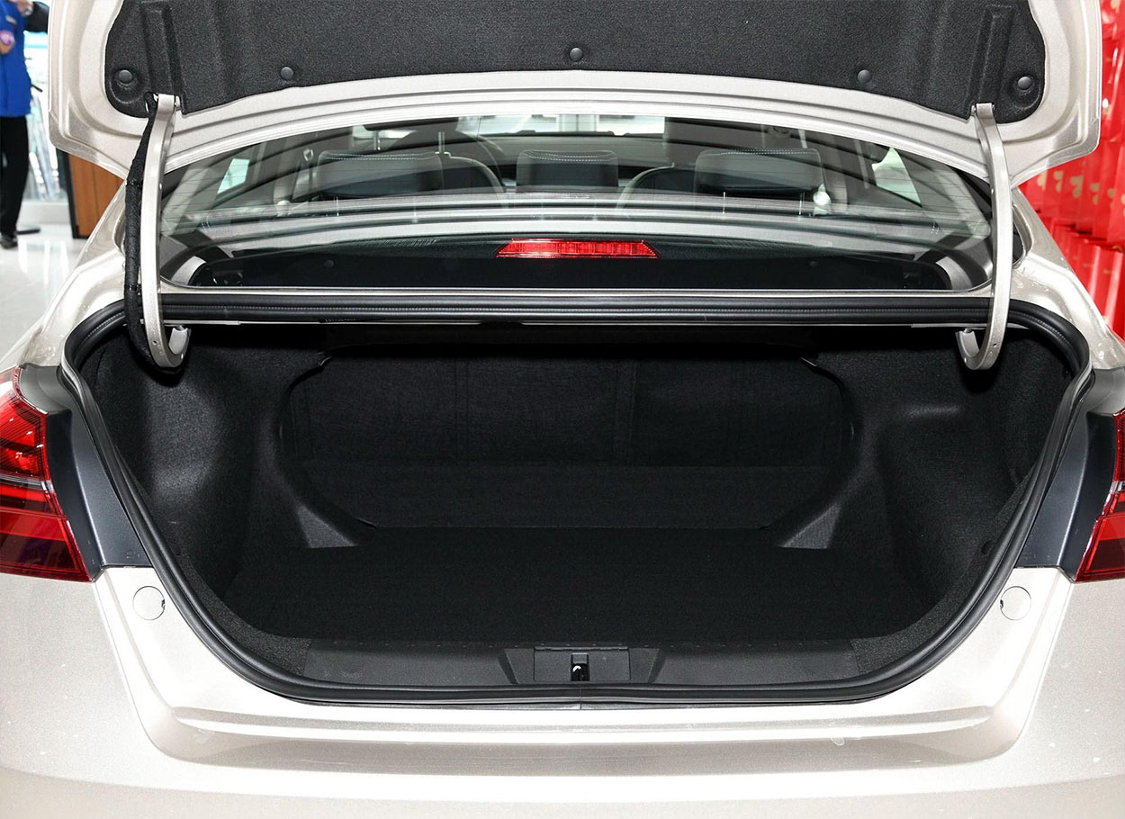 Geely Emgrand 7 багажник