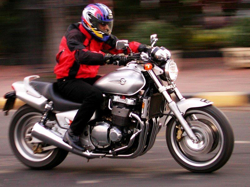 Honda X4 фото