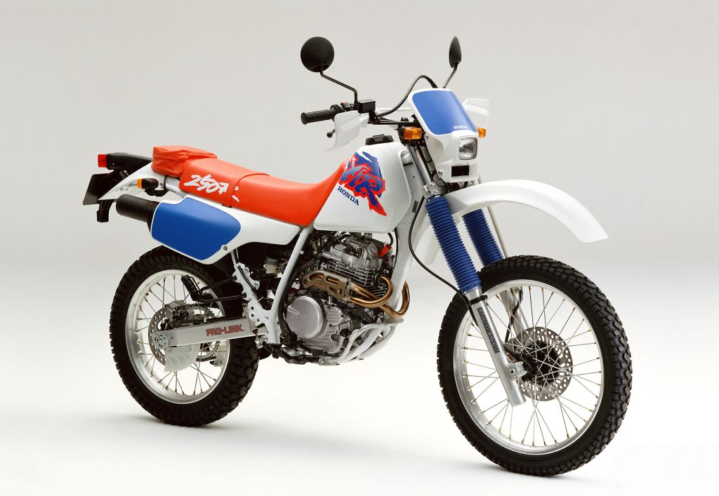 Honda XLR 250 фото