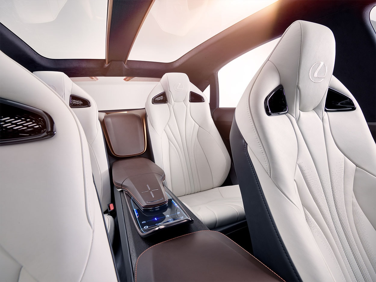 Lexus LF-1 Limitless Concept фото салон