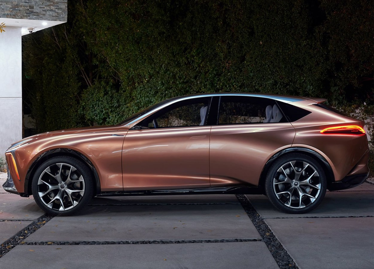 Lexus LF-1 Limitless Concept фото сбоку